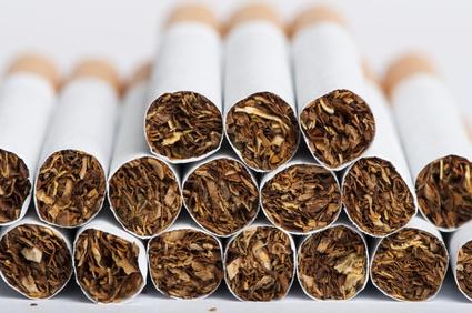 Fiscalité : la contrebande de cigarettes sur Internet induit un manque à gagner de 400 millions d'euros à l'Etat par an