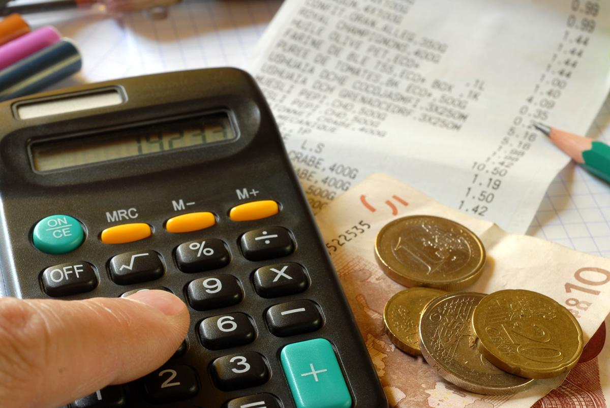 Découvert bancaire : dans le rouge dès le 18 du mois en moyenne pour près de 14% des Français