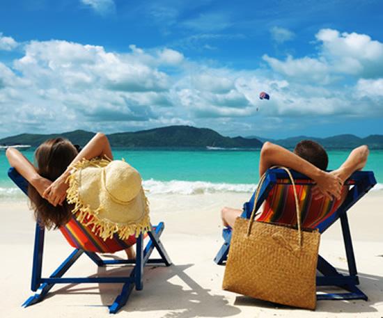 Vacances : un coût de 53% plus élevé pour les célibataires, +400€ en moyenne par semaine