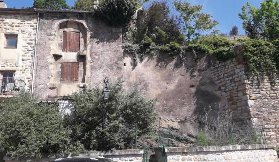 Immeuble à 1 euro, 329 m2, plan de restauration à respecter
