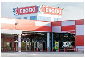 Supermarché de 8000 m2 situé à Ribadeo au Nord de l'Espagne